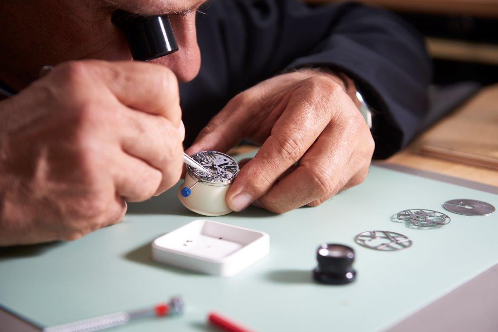 Testing and assembling the Zenith calibre ZO 342