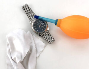 Clean the watch
